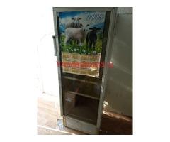 Продам холодильный шкаф для напитков б/у
